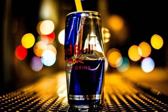 Популярный «энергетик», обвиняемый в причинах смертельных сердечных приступов, запрещён в некоторых европейских странах.