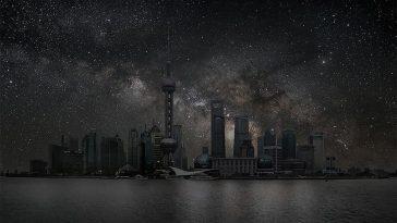 Французский художник Тьерри Коэн представляет, как выглядели бы города, если их освещали бы только звезды