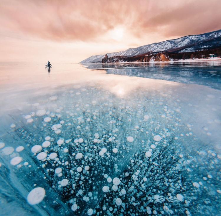Впечатляющие фотографии Байкала зимой