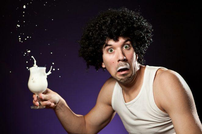 Безопасно ли употреблять йогурт после истечения срока годности?