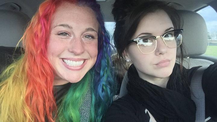 Моя сестра и я полярные противоположности