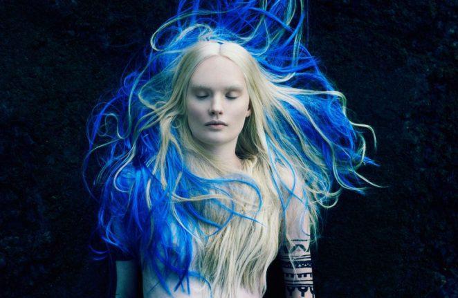 Почему люди не имеют естественно синие или зеленые волосы?