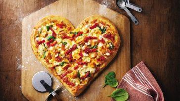 Пицца-валентинка - идея на 14 февраля