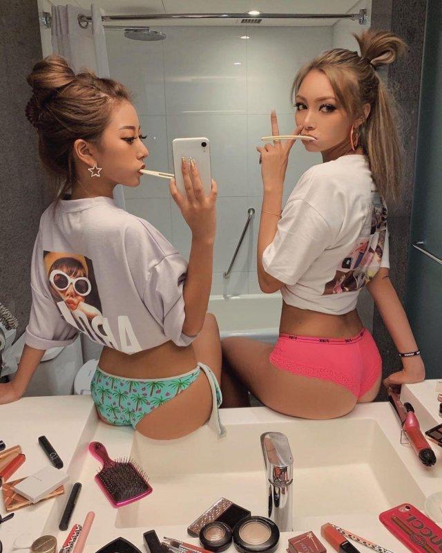Очаровательные девушки (34 фото)