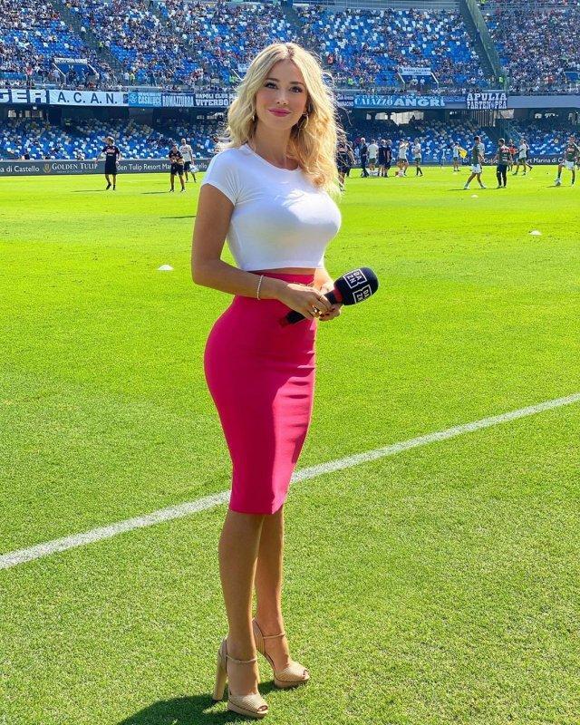 Дилетта Лиотта - самая сексуальная журналистка спортивного телевидения Италии (40 фото)