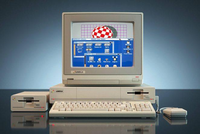 Amiga 1000 - первый мультимедийный персональный компьютер