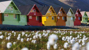 Лонгйир - город в Норвегии в котором законом запрещено умирать