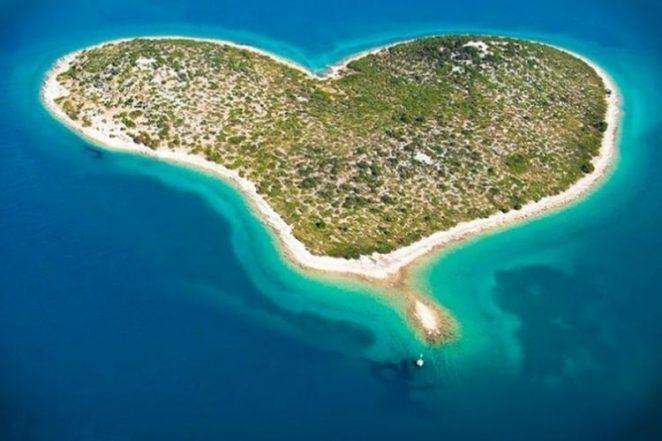 20 самых удивительных и необычных островов в мире
