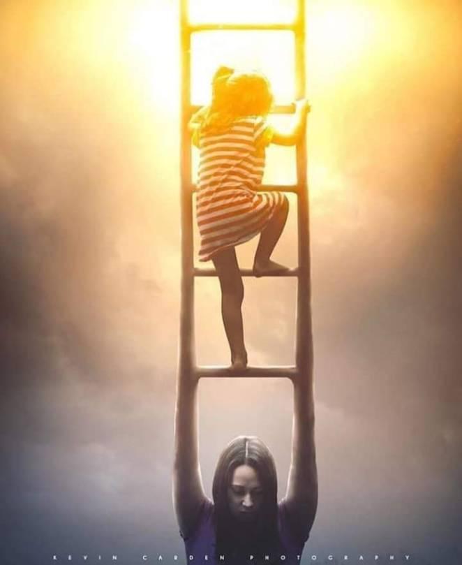 13 фотографий, показывающих магию и трудности родительства