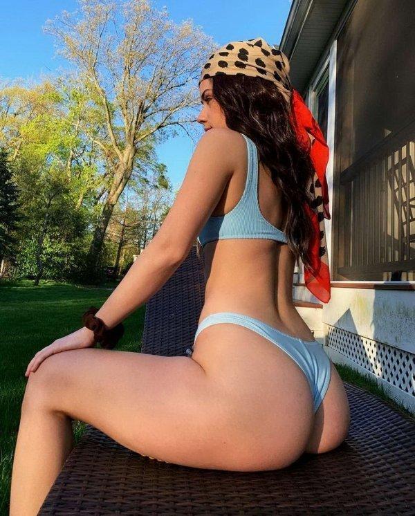 Сексуальные девушки в бикини (81 фото)