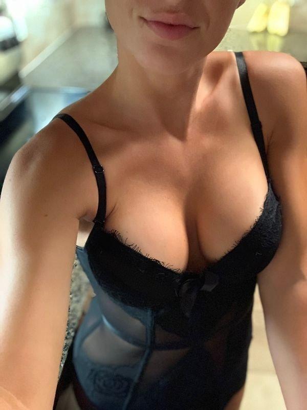 Сексуальные девушки в корсетах (40 фото)