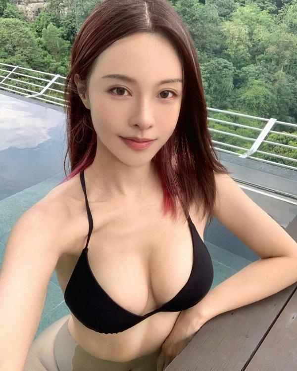 Красивые маленькие азиатки (55 фото)