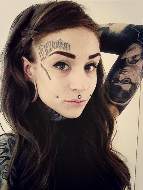 40 уникальных татуировок на лице