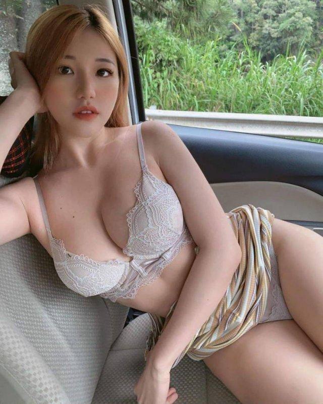 Красивые азиатские девушки (56 фото)