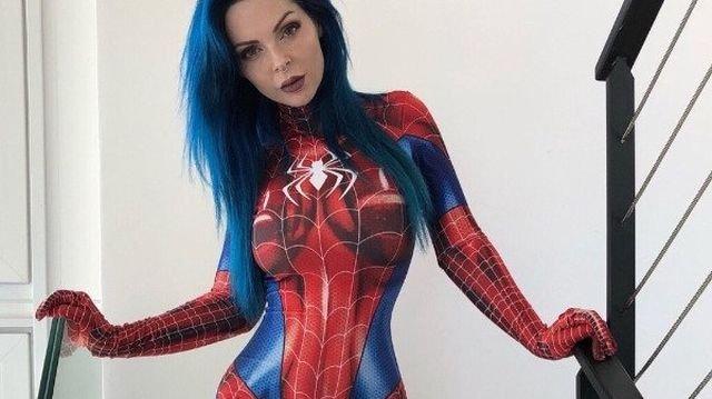 Красивые девушки в косплей костюмах (38 фото)