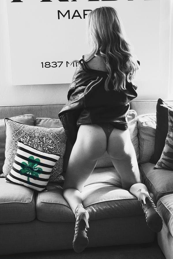 Сексуальные девушки на высоких каблуках (39 фото)