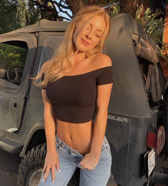 Сексуальные девушки в джинсах (58 фото)
