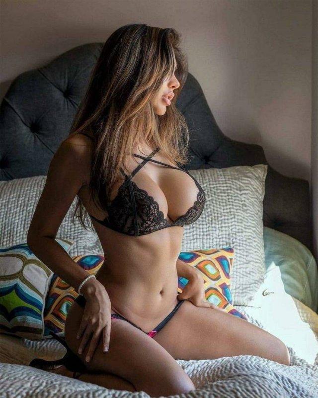 Красивые девушки в нижнем белье (49 фото)