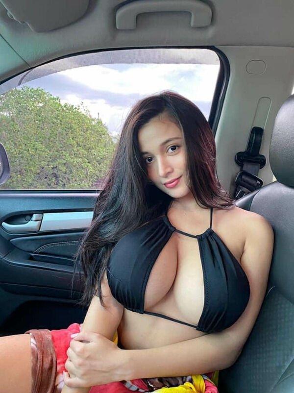 Селфи девушек в машине (37 фото)