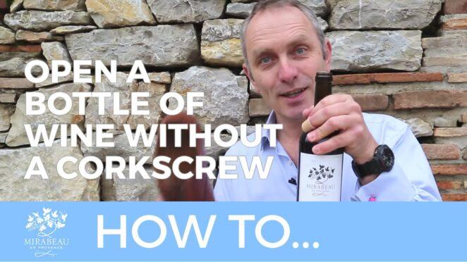 Как открыть бутылку вина без штопора всего за 5 секунд? Хитрый трюк.