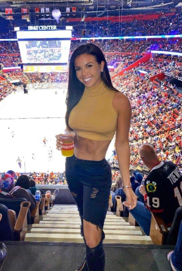 Спортивные симпатичные девушки (38 фото)