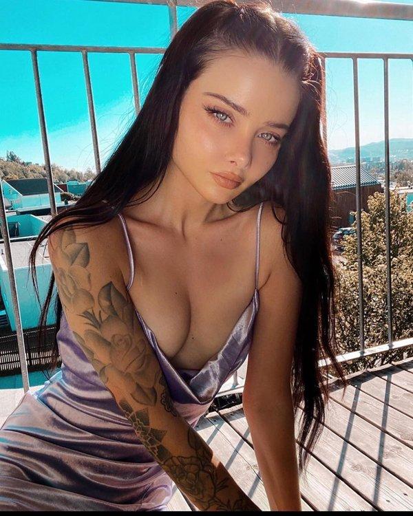Татуированные девушки - красота и искусство (27 фото)