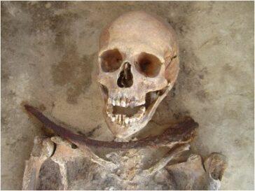 Жуткое кладбище вампиров обнаружено в Богемии