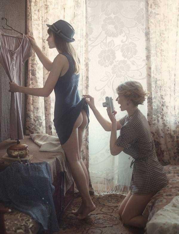 Пошлые и смешные картинки с девушками (56 фото)