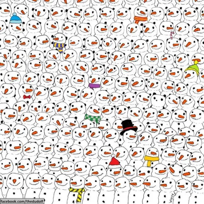 В толпе счастливых и улыбающихся снеговиков прячется панда. Решите зимнюю головоломку